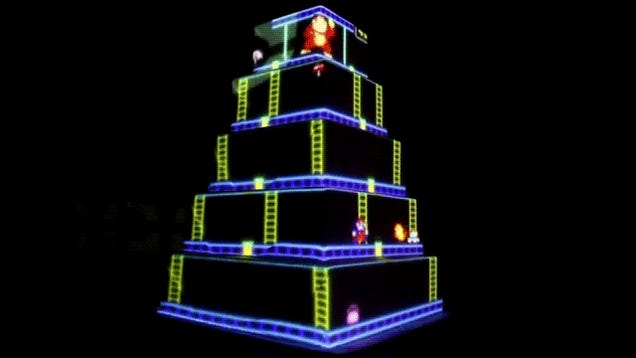 This animated Donkey Kong wedding cake just won best nerd cake forever