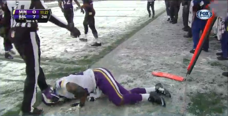 Adrian Peterson Leaves Game In Pain After Serious Lower Leg Injury