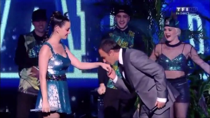 Lip-Sync Malfunction Forces Katy Perry to Use Her Own Voice to Sing