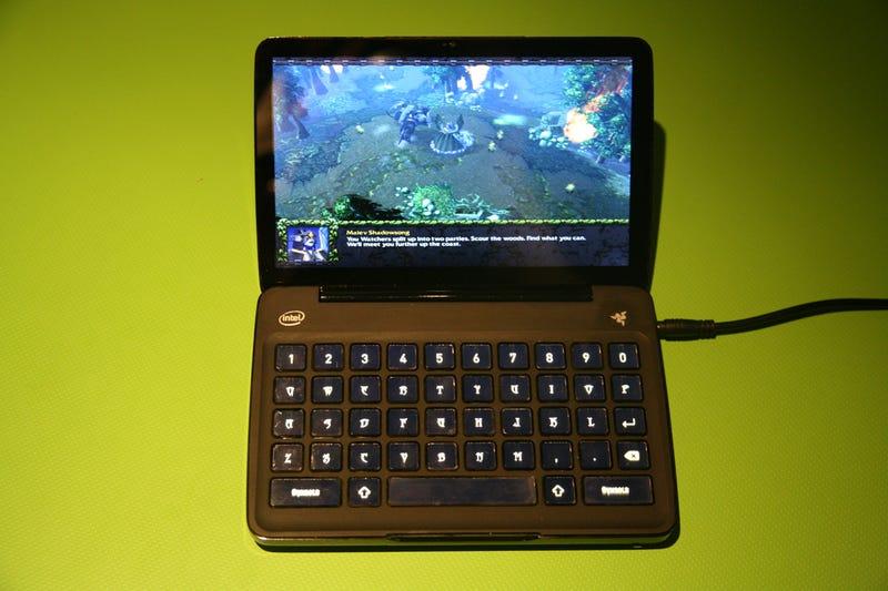 Razer Switchblade Pocket Gaming PC: Flip-Open, Customizable Keyboard