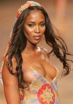 Naomi Campbell Is Late To Feed The Needy