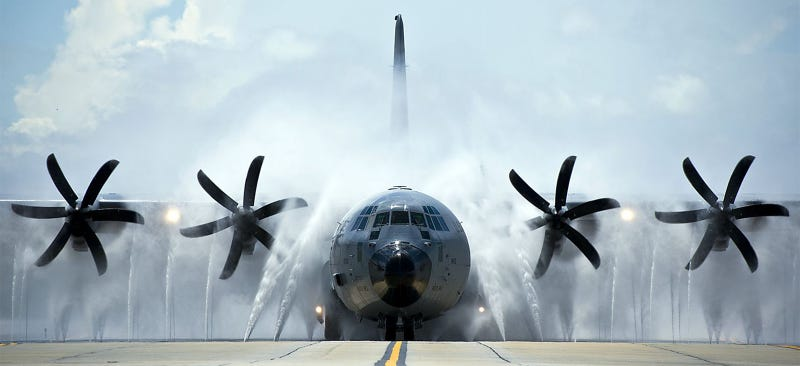This is how the US Air Force showers its giant cargo planes