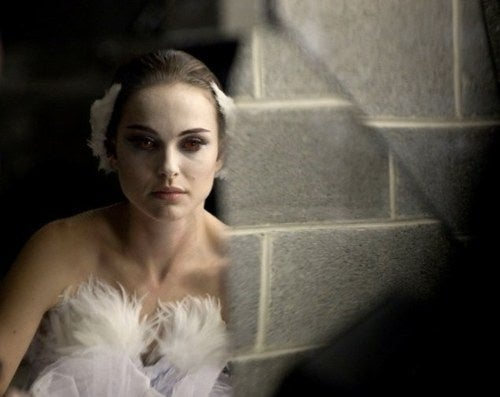 Black Swan Photos