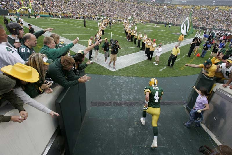 Making Peace With Favre's Final Days