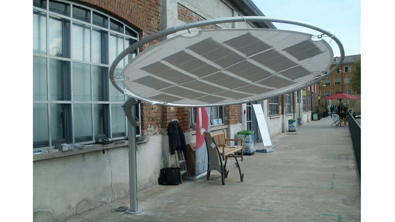 Stylish Sun Shade Is the Easiest Way To Harness Solar Power For Your Home
