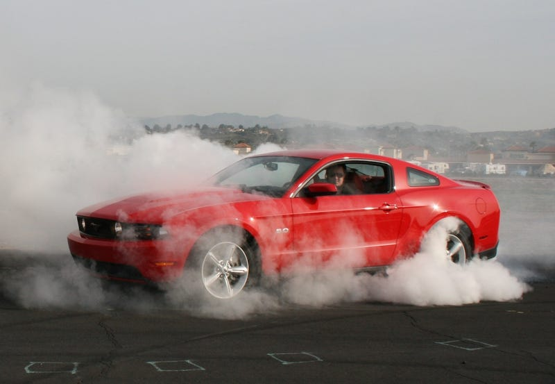2011 Ford Mustang GT: First Burnout of the New 5.0!