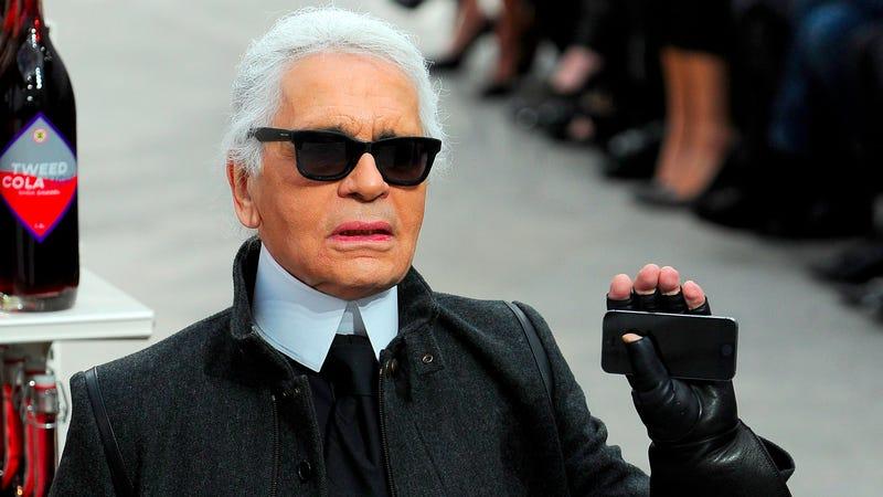 Karl Lagerfeld Calls Selfies 'Electronic Masturbation'