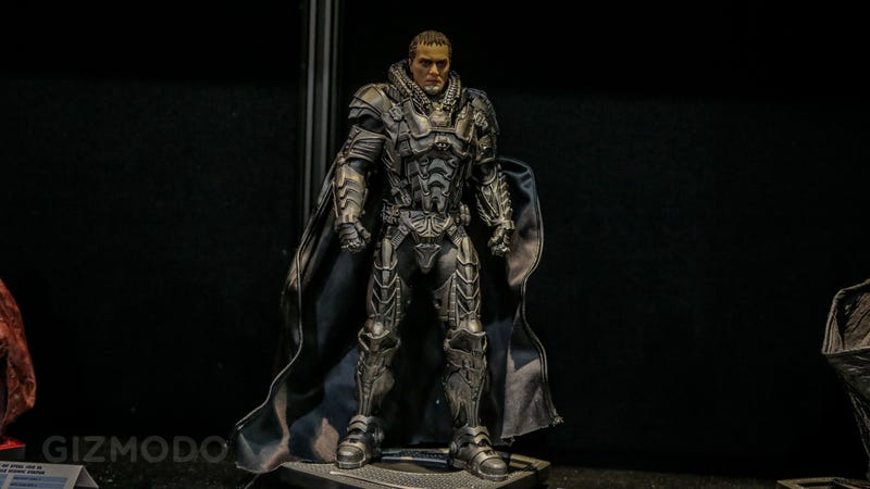 DC's Incredible Man of Steel Statuettes Look Like They Walked Straight Out of The Movie