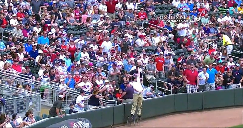 Twins Ballboy Makes Nifty Leaping Catch