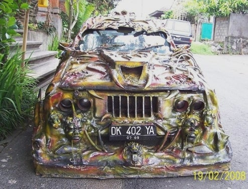 Unidentifiable Rolling Horror Show Has Us Questioning Balinese Sense Of Automotive Judgement