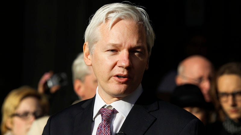 Julian Assange Likens Security Reporters to Refugees in SXSW Interview
