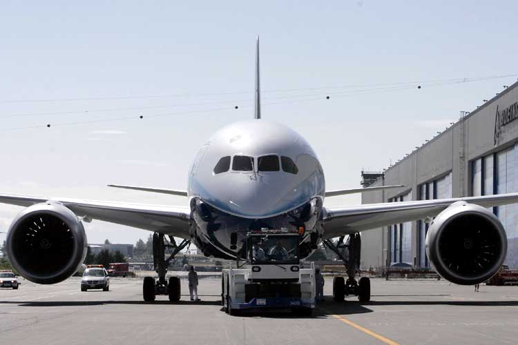 787 Dreamliner Doesn't Have Seats Yet, Kicks Airbus' Nuts Anyway