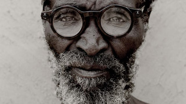 Affordable, Self-Adjustable Glasses for the World's Poorest Are in Sight