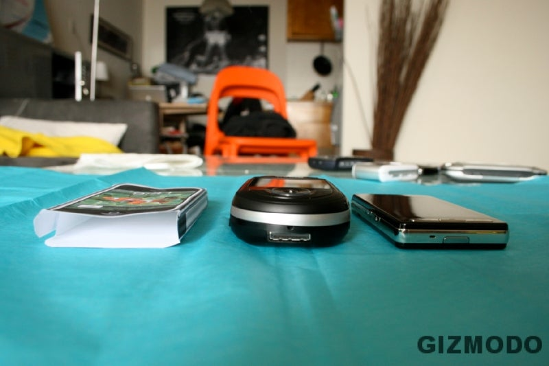 Sizemodo: Helio Ocean vs. Everything (including iPhone)