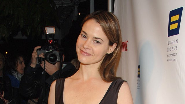 Leisha Hailey Kicked Off Southwest Flight For Kissing Her Girlfriend