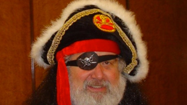 "FBI Investigating Obese Santa Claus Look-Alike And FIFA ""Whistleblower"" Chuck Blazer"