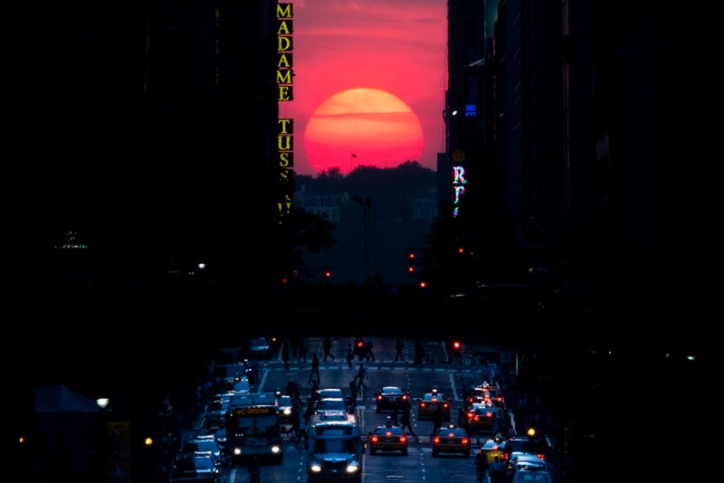 Look for 'Manhattanhenge' Before Sunset This Evening
