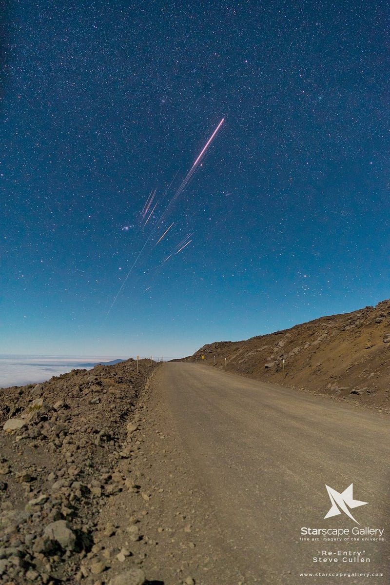 Look at This Beautiful Reentry of a Chinese Rocket Over Hawaii