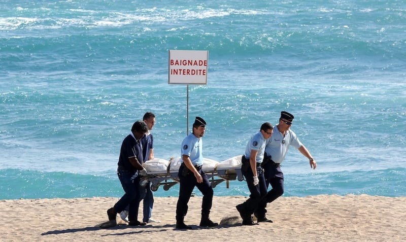 Shark Kills French Surfer On Island Honeymoon