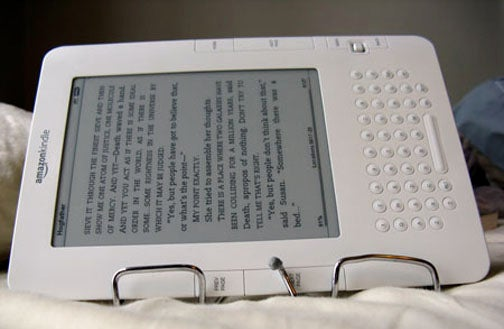 Kindle Stand Makes Reading in Bed Truly Effortless