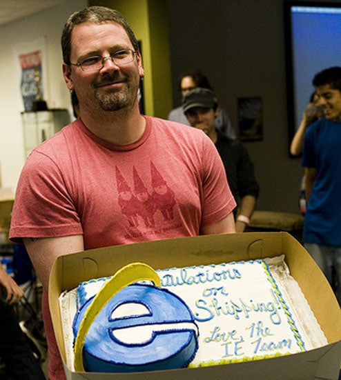 Microsoft Mistakes Browser War for Browser Party, Sends Firefox a Lovely Cake