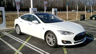 CNN Money tests the Tesla Model S and easily manages what the NYT couldn't.