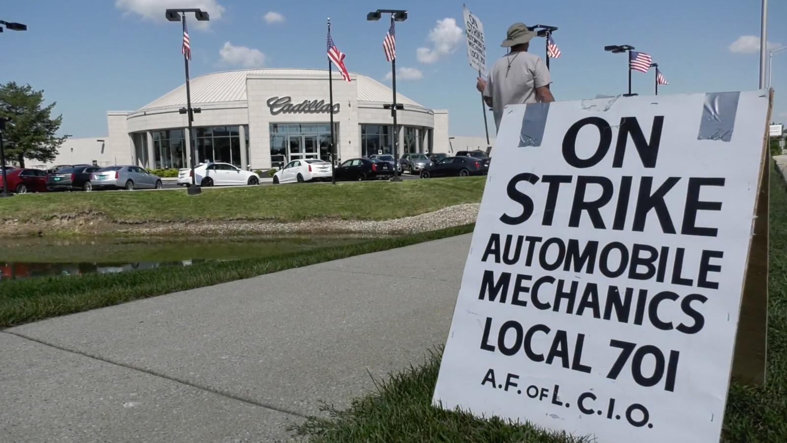 Mechanics Strike Chicago Area Car