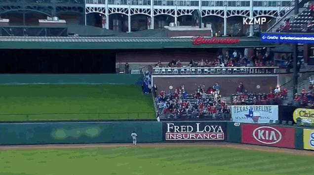 Rangers Fan Catches A Homer, Drops The Nae Nae