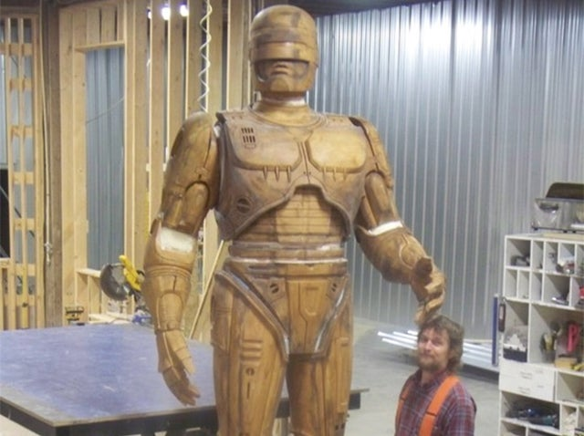 Detroit's 10-Foot Bronze Robocop Statue Is Fucking Happening, People