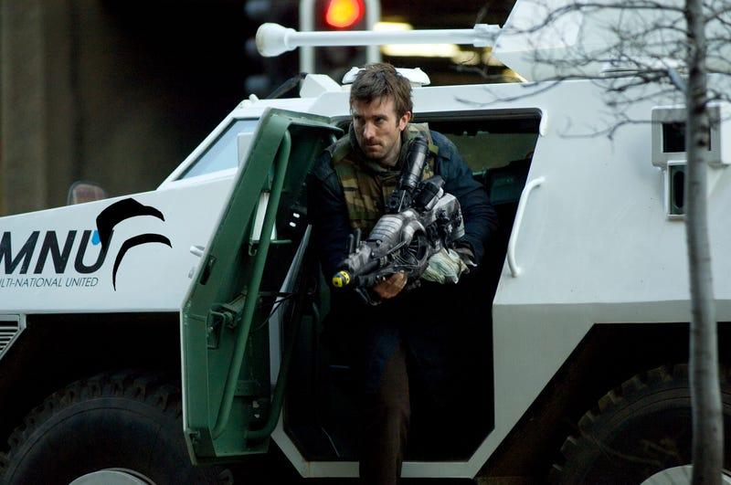 Motherlode Of District 9 Stills Peels Back The Hard Shell On Alien/Human Relationships