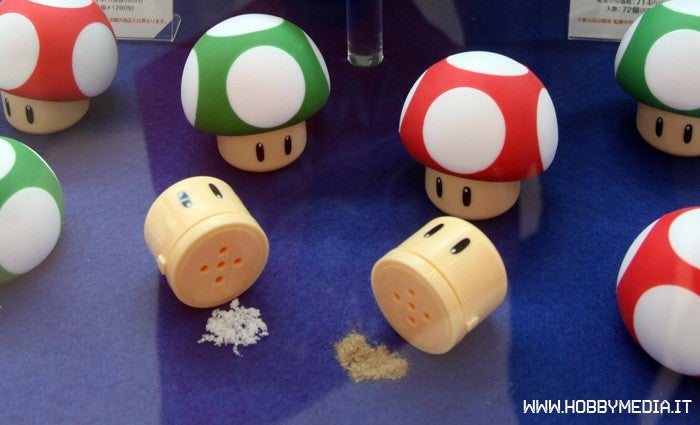 1Up Your Food with These Mario Mushroom Shakers