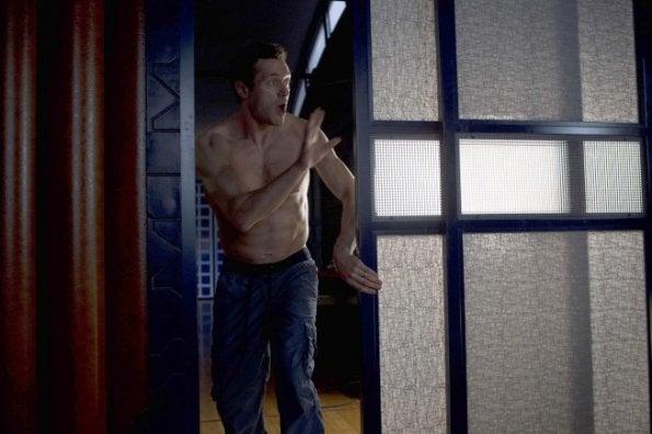 """Promo photos from Terra Nova episode 1.03, """"Instinct"""""""