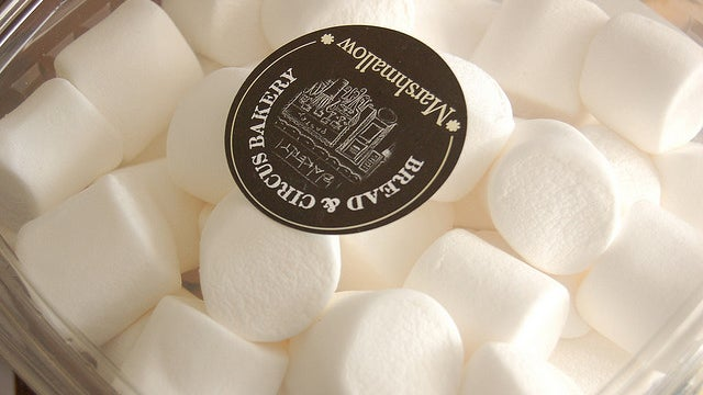 Soothe Sore Throats by Eating a Few Marshmallows