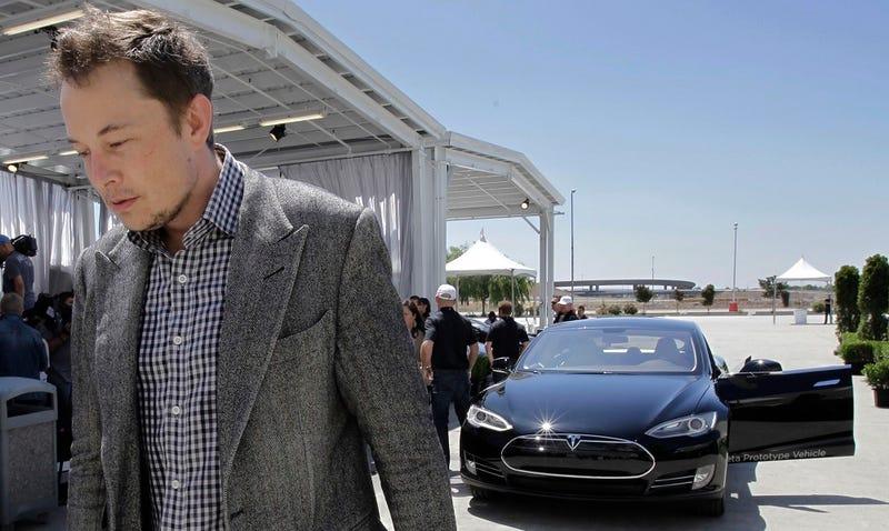Elon Musk ant Tesla Model S