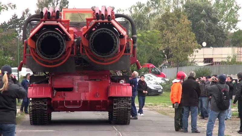 Big Wind, el tanque que se convirtió en coche de