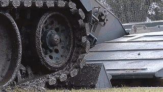 Estos tanques lanzapuentes son lo más parecido a transformers reales