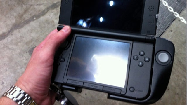 Hands On with the Brand New Circle Pad Pro for 3DS XL