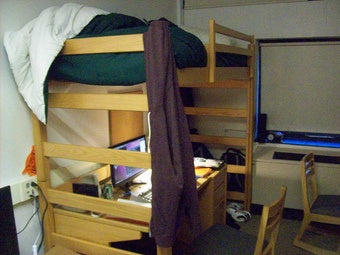 Achieve an Elite Education Without Ever Leaving Your Dorm Room