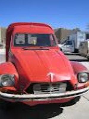 For $4,000, Vivre Dans Un Van Au Bord De La Riviere