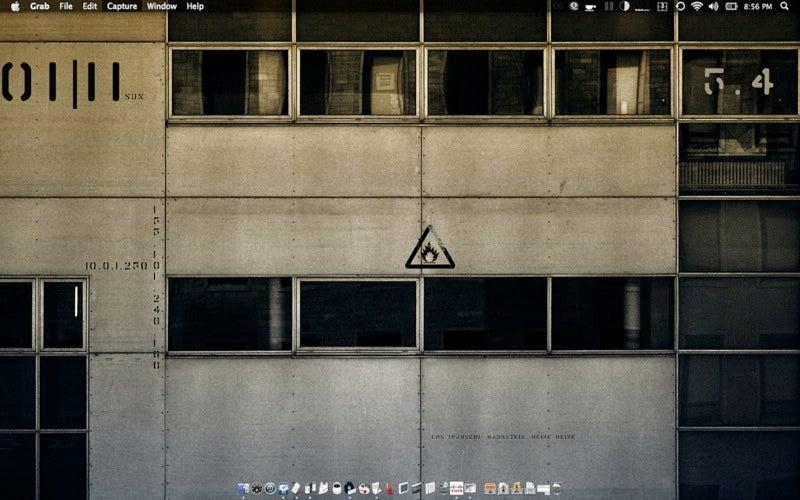 Wallpaper-Blended Desktop HUD