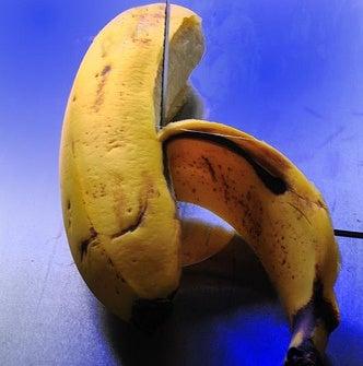 Remove Splinters Using a Banana Peel