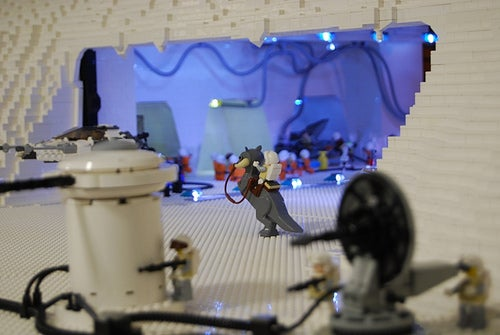 60,000-Piece Lego Star Wars Hoth Diorama Features LEDs, Footprints