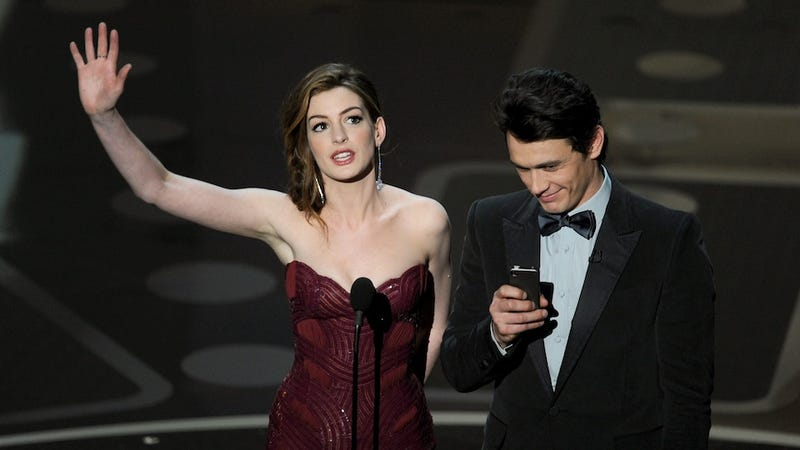 What Was James Franco Staring at on His iPhone During the Oscars?