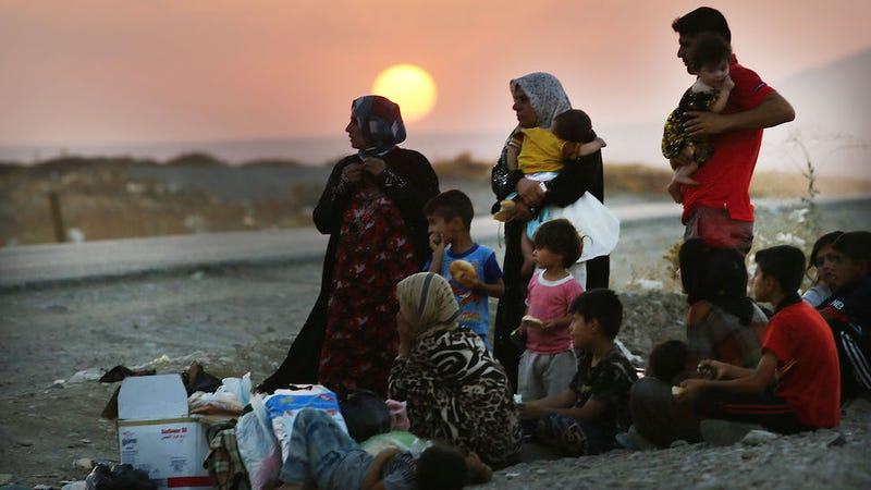 IS Fighters Reportedly Take Hundreds of Displaced Women Captive