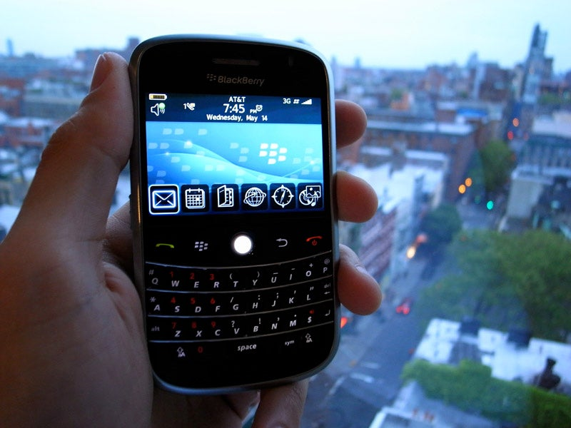John Mayer Cheats On Apple With Blackberry Bold