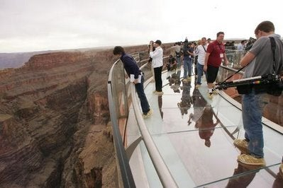 First Video of Grand Canyon's Glass Skywalk