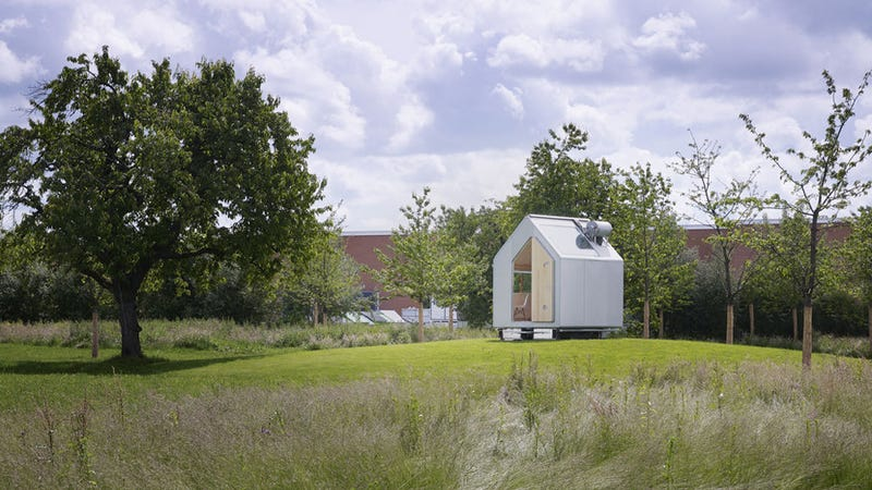 A Self-Sustaining Hut For The Modern Hermit