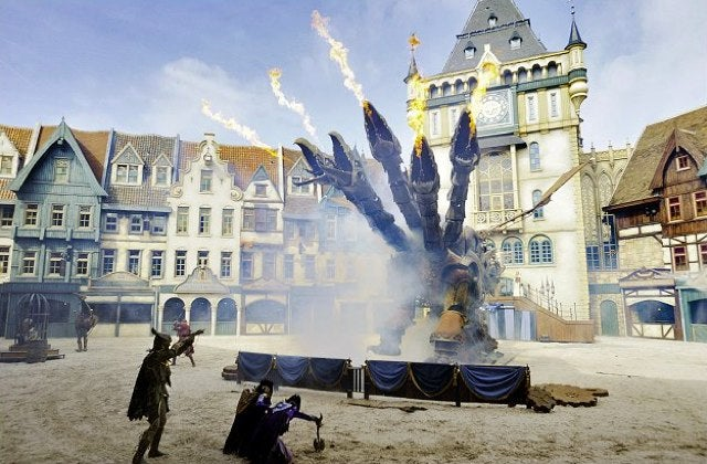 Netherlands amusement park unveils €30 million steampunk dragon show