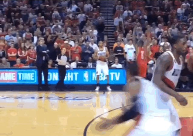 Front-Row View Of Damian Lillard's Buzzer-Beater Is Awesome