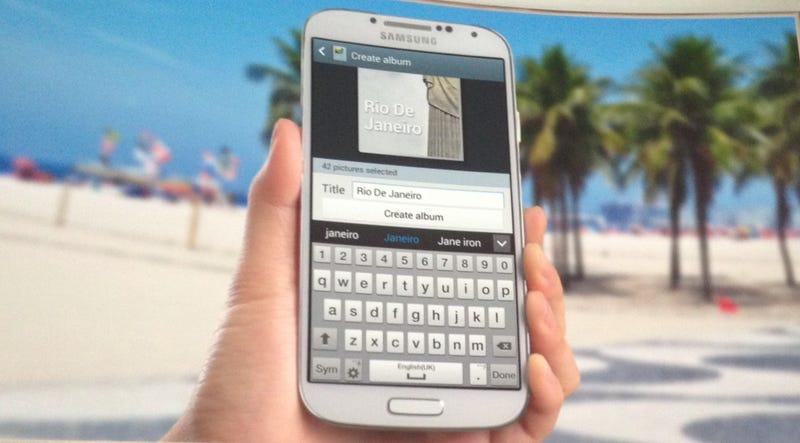 Este es el Galaxy S4, y destaca por su software